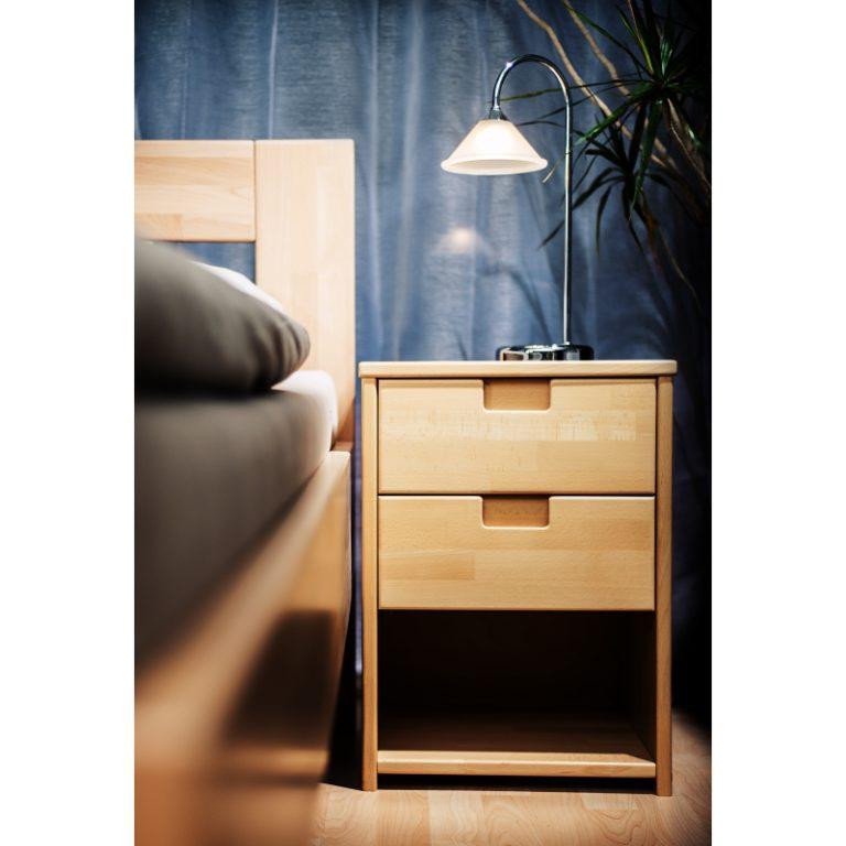 postel Jacques Due s nočním stolkem