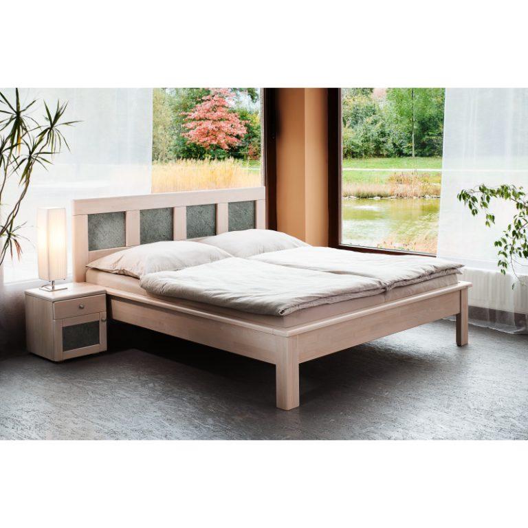 postel z masivu jacques K s kamennou dýhou