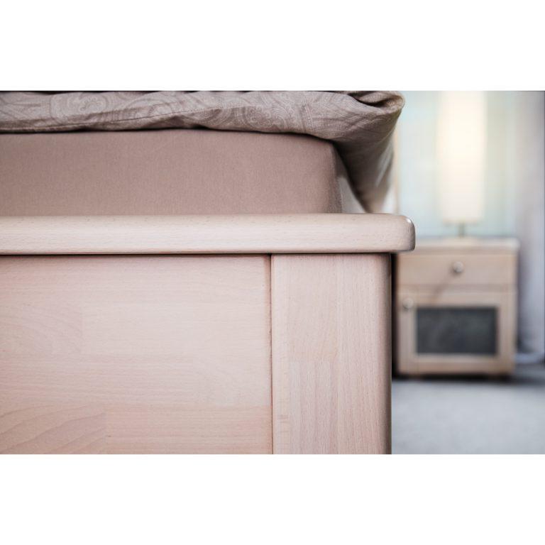 postel z masivu jacques K s kamennou dýhou detail 6