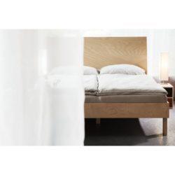 buková postel Jacques Heaven detail