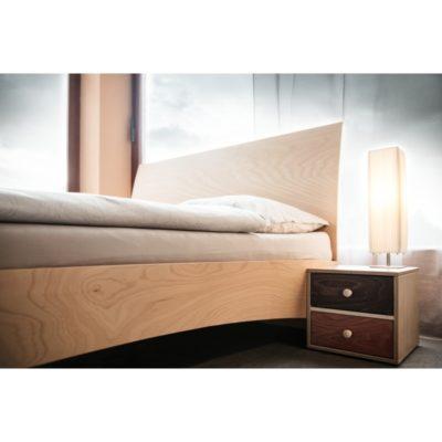 postel Jacques Heaven s nočním stolkem