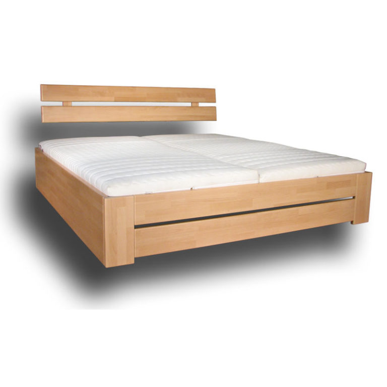 postel-Jacques.0-s-čelem-na-zdi-plné-boky