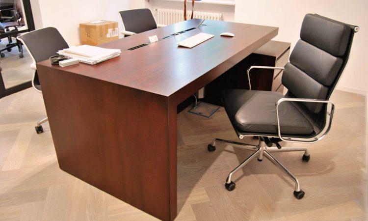 pracovní stůl na zakázku z masivu