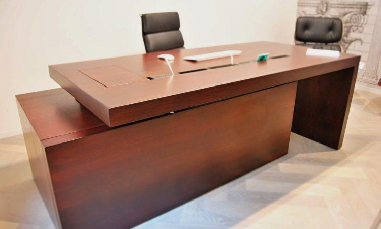 pracovní stůl na zakázku