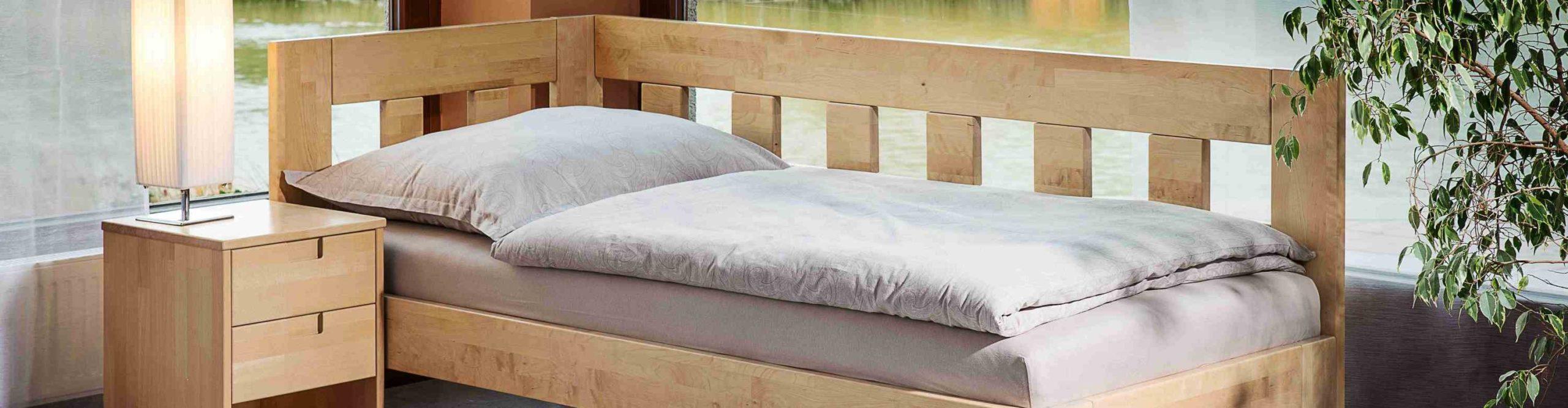 rohová postel Jacques II v bříze