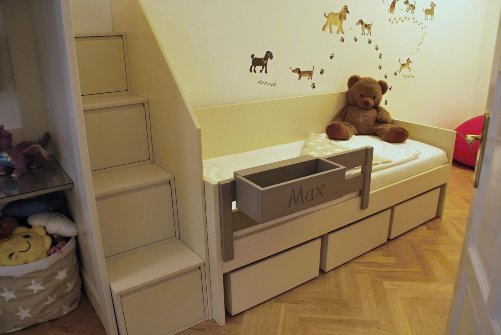 postel do dětského pokoje na zakázku s palandou