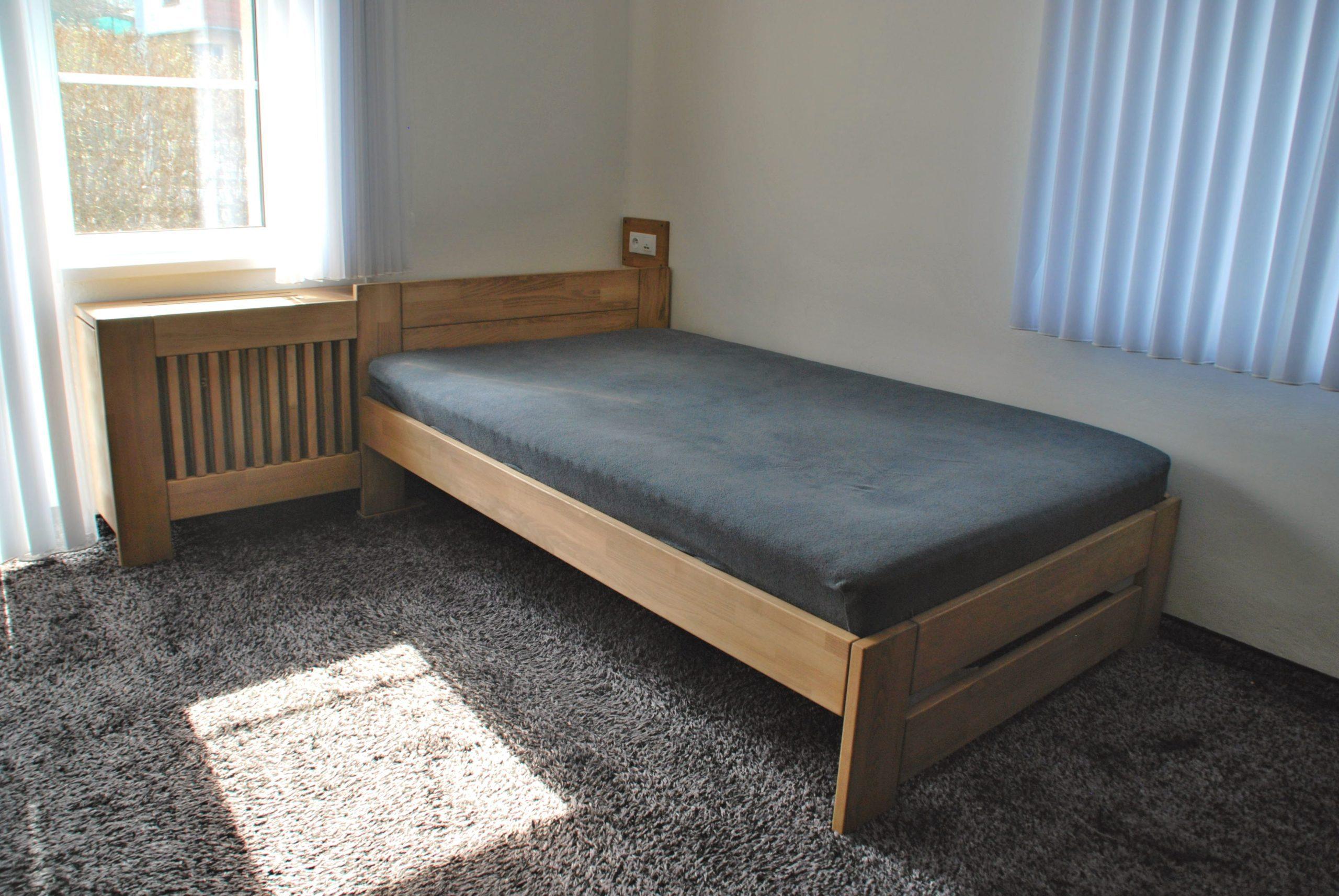 postel na zakázku s čelem na zákryt topení