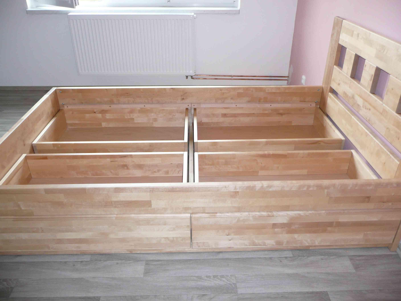 sestava zásuvek pod postelí